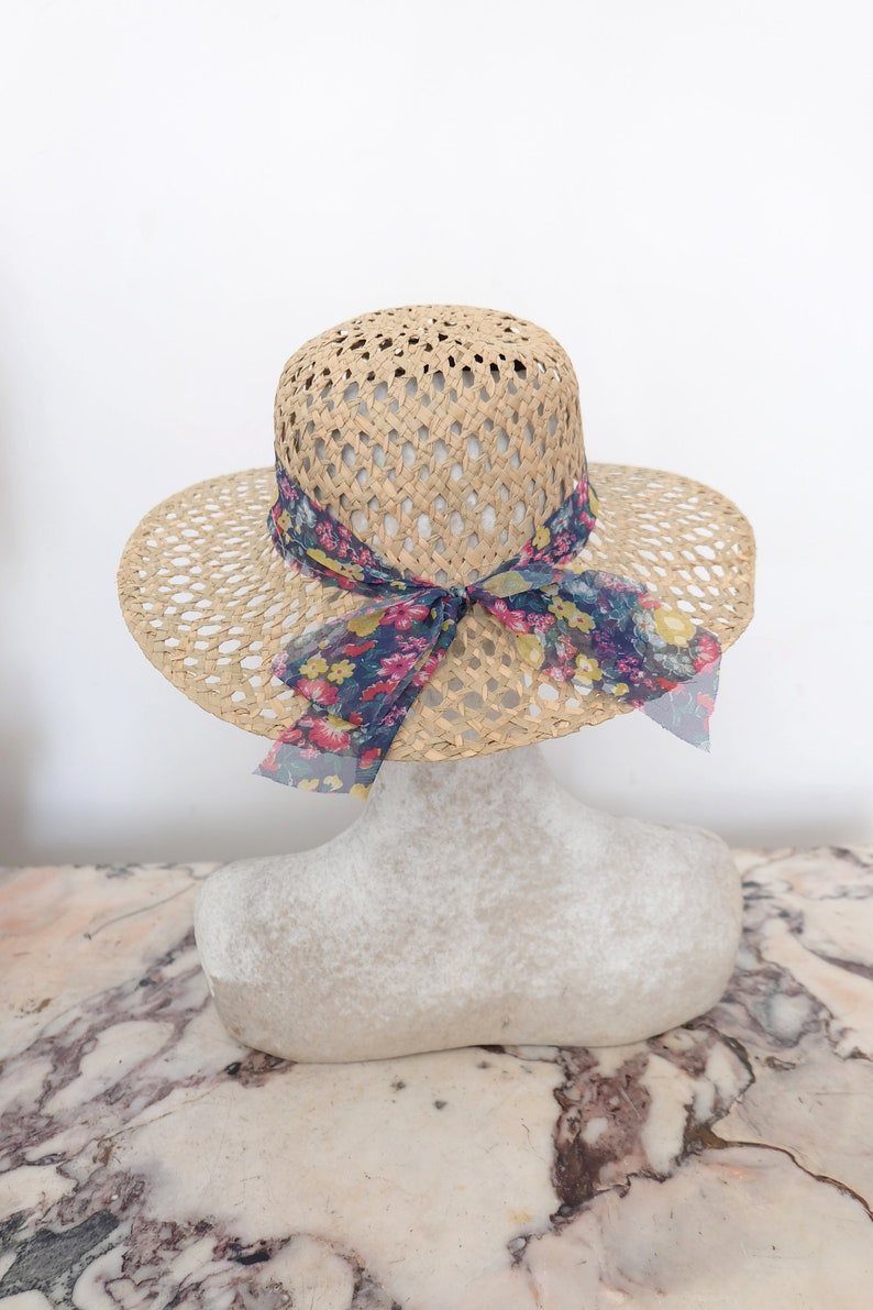 8515ce8c4ab 1970s vintage straw wide brim sun hat with beautiful floral