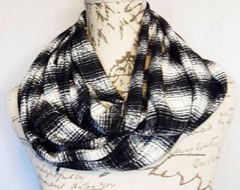 Black and White Plaid Print Infinity Scarf with Hidden Zipper Pocket / Travel scarf / Scarf with hidden pocket / Mothers day gift