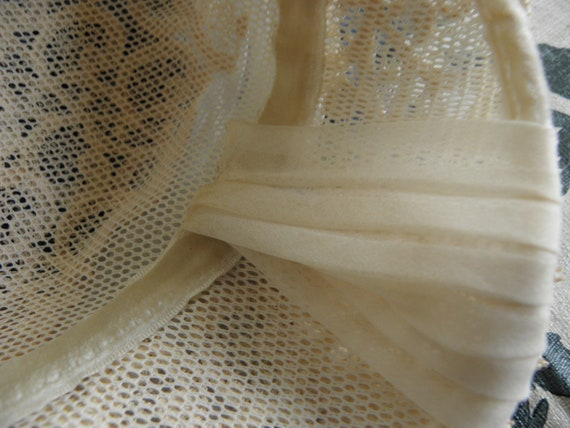 Vintage Ladies hat, 1930s or 1940s, off white, la… - image 5