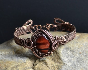 Wire Wrapped Bracelet. Natural cabochon