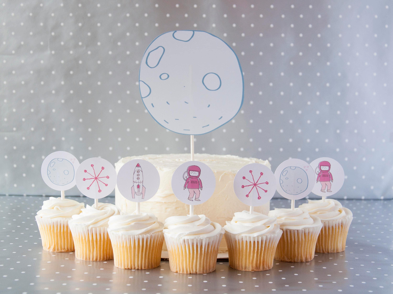 Fantastic Moon And Girl Astronaut Cake Set Cake Topper Set Space Etsy Personalised Birthday Cards Vishlily Jamesorg