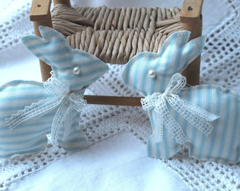 2 rabbits striped blue and ivory / antique lace / pearls