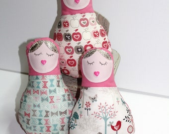 Doll of the MAMA decoration in pink and pastel pattern