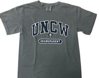 Uncw Seahawks GrandParent – T Shirt – Grey