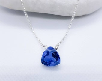Sterling silver blue fluorite gemstone solitaire necklace