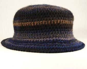 Cappello con tesa in pura lana vergine e acrilico e6f739c81e78