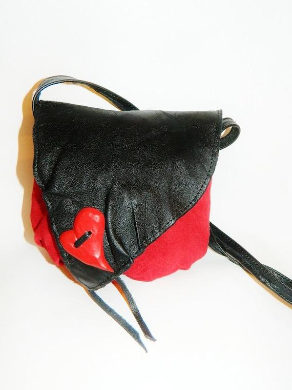Handbag, leather, handmade, lined, stylish interior