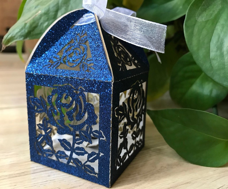 100pcs Glitter Small 5 5 8 5cm Small Gift Packaging Boxes Candy Chocolate Boxes Handmade Laser Cut Gift Boxes With Ribbon Wedding Favors