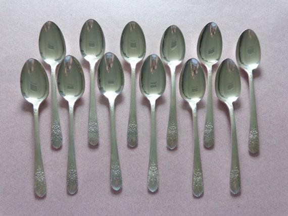 """2 Two International Louisiane Teaspoons 6 1//8/"""" Silverplate Flatware Silverware"""
