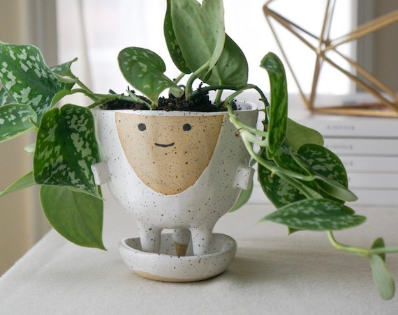 Planter with Saucer and Drainage - Luna - Planter with Feet