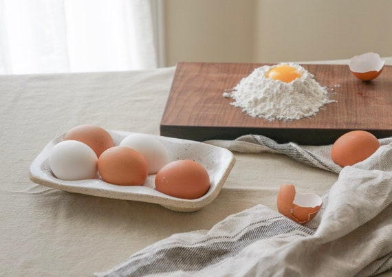 Egg Nest - Ceramic Egg Holder for 6 Eggs