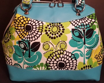 Pretty Classic Vintage Doctor Bag in VB