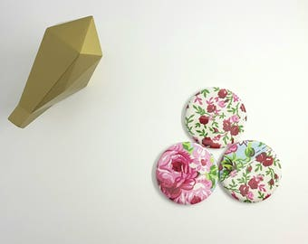 Magnet of fabric flowers in packs of 3. Diameter 56 mm magnets. Set of 3 fabric covered round magnets.