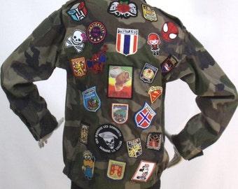 Veste militaire kaki Motif Écussons  Taille S