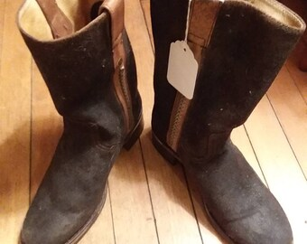 Nearly new Sendra western pull on Women's Suede mid calf boots!