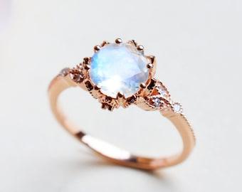 Evanthe Moonstone Engagement Ring, Vintage Floral Moonstone Ring, Laurel Leaf Rose Gold Moonstone Ring, Moonstone Leaf Engagement Ring