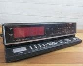 Vintage Realistic Chronomatic 259 Wood Grain Alarm Clock Radio Model 121566, Vintage Bedside Clock Radio