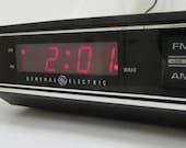Vintage General Electric AM FM Clock Radio Alarm, Model 74630B Faux Wood Grain, Red LED Bedside Desk Clock Radio