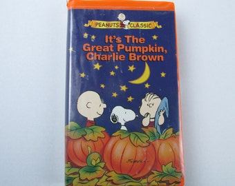 its the great pumpkin charlie brown vhs tape childrens halloween 1966 charlie brown snoopy linus kids classic cartoon video tape vcr