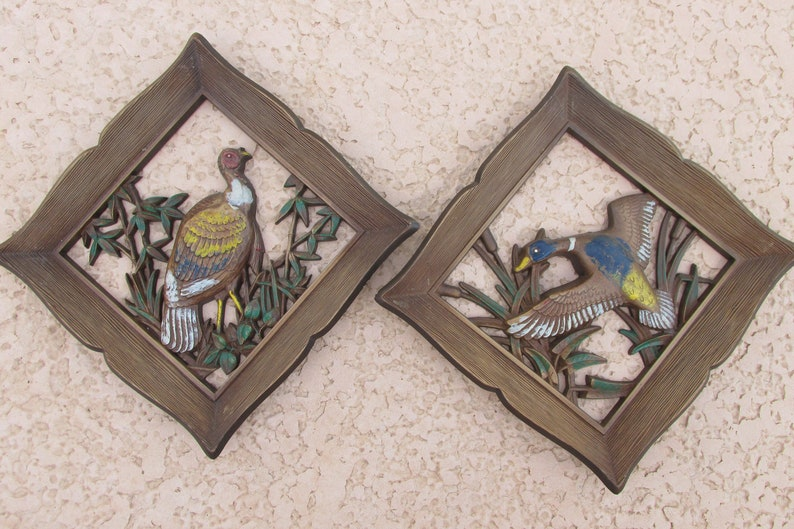 Vintage 1960s Faux Wood Bird Wall Plaques Vintage Wall Decor Hanging Syroco Diamond Shaped Wall Plaques Mid Century Wall Art Set Of 2