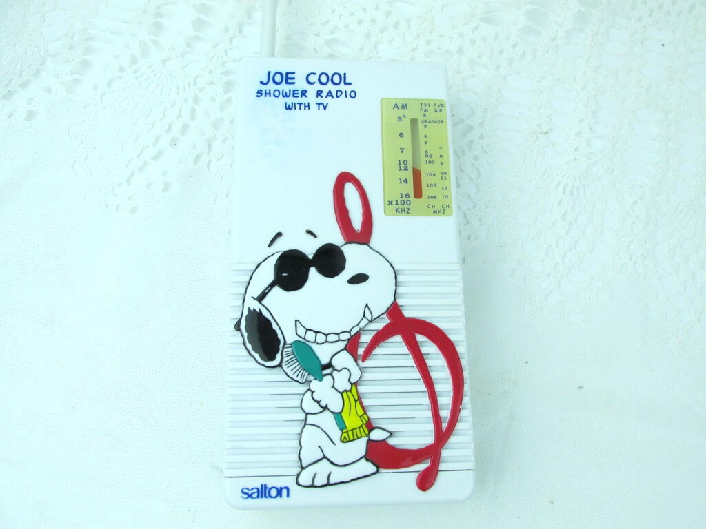 Vintage 1980's Salton Joe Cool Shower Radio, Snoopy Peanuts AM FM Radio,  Kids Radio, 1980s Nostalgia, Charlie Brown SNOOPY Portable Radio