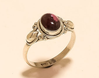 Red Garnet Quartz Handmade Jewellry 925 Sterling Silver Plated 4 Grams Ring Size 9 US Fantasy Sizable