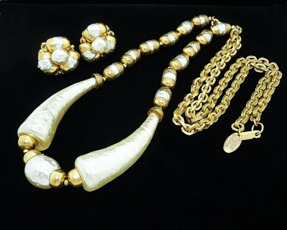 Vintage Miriam Haskell Pearl Necklace Earring Set,