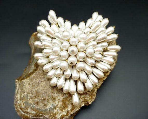 Vintage Pearl Cluster Heart Brooch, Pearl Brooch,… - image 1