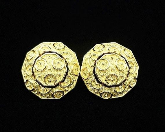 Vintage Crown Trifari Gold Button Clip Earrings, … - image 3