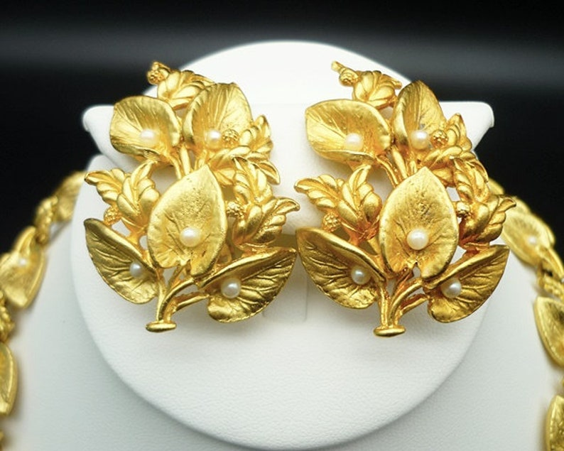 Leaf Clip On Earrings Large Clip Earrings Chunky Necklace Gold Leaf Necklace Vintage Brushed Gold Leaf Necklace Earring Set