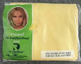 """Solid Soft Yellow Vintage Dan River Fitted Percal Bed Sheet for Double Sized Mattress 54"""" x 76"""""""
