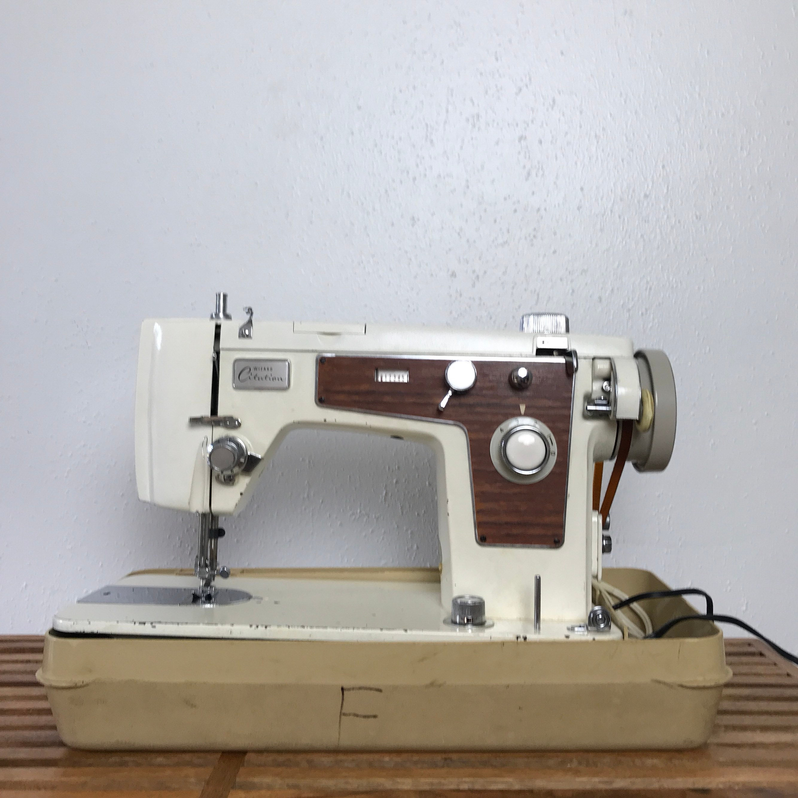 Brother Wizard Sewing Machine / Made In Japan Vintage Sewing Machine /  Portable Sewing Machine with Travel Case / Wizard Citation Sewing Mac