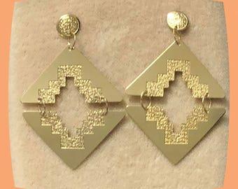 14 Karat Yellow Gold 1980's Dangle Drop Modern Art Deco Earrings 1 5/8 inch tall 1 in wide Comfortable lots of flash Fun to Wear Earrings