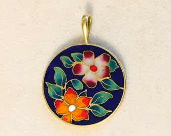 Vintage 14 Karat Gold Pendant with 18 inch Vermeil Rope Chain Cloisonné Flowers with beautiful colors in this hand made 14K Flower pendant