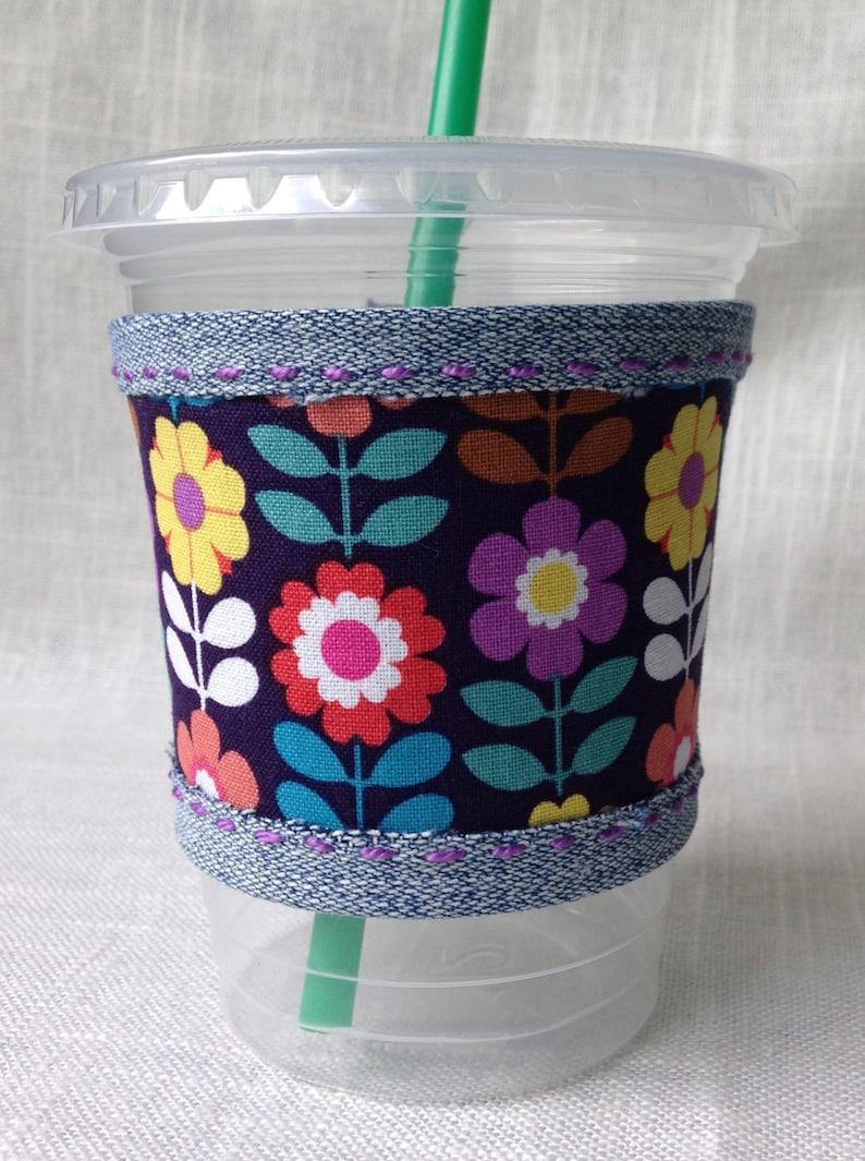 Cup sleeve retro spring flowers coffee cozy image 0