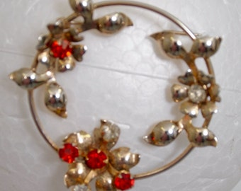 """Vintage Brooch 2"""" x 2"""", Signed Sterling, weight 10.3gr. with beautiful stones. Vermeil gold wash over sterling."""