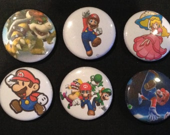 Lot of 10 Super Mario Bros 1'' Buttons/Pins PARTY FAVORS!!!!