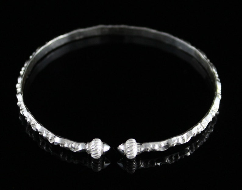 Handmade West Indian Bangle Churia Design with Taj Mahal in Sterling Silver .925