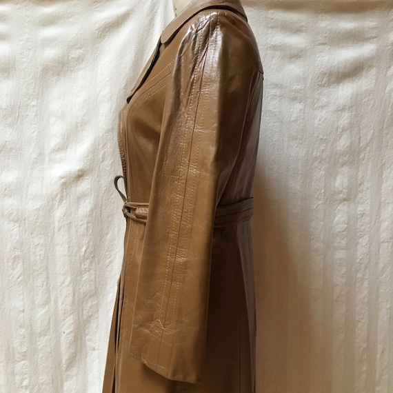 Vintage 1970s Women's Leather Trench Coat - High … - image 5