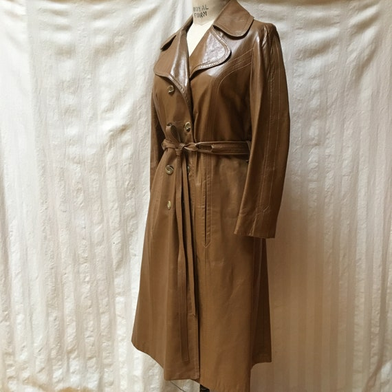 Vintage 1970s Women's Leather Trench Coat - High … - image 2