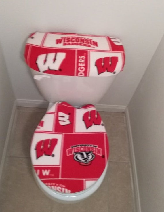 Tremendous Wisconsin Badgers Fleece Fabric Toilet Seat Cover Set Bathroom Accessories 2Pc Theyellowbook Wood Chair Design Ideas Theyellowbookinfo