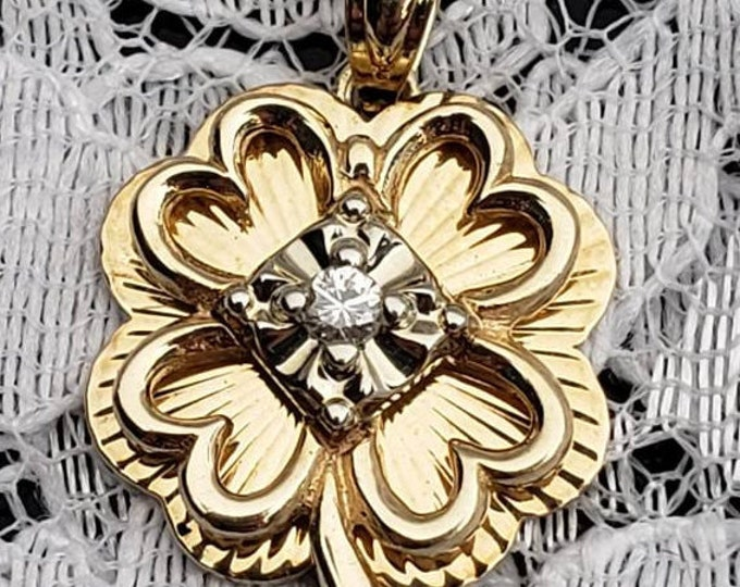 Vantage Handcrafted 14 Karat Yellow & White Gold 1/10 carat Diamond 4 Leaf Lucky Clover Pendant