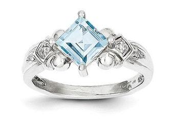 10k White Gold Aquamarine & Diamond Ring