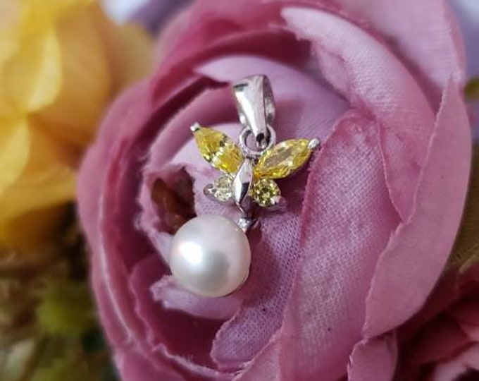 Adorable Citrine & Pearl 925 Sterling Silver Butterfly Pendant