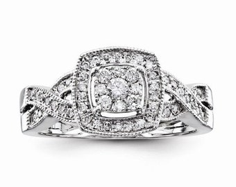 Gorgeous Solid 14 Karat White Gold 0.40 Carat Multi Diamond Engagement Ring
