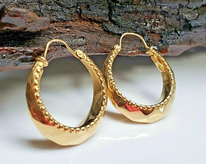 Vintage Handmade Solid 18 Karat Yellow Gold 23.50mm X 6.50mm Hoop Earrings