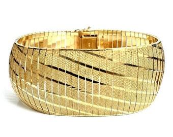 Unique Italian 14 Karat Yellow Gold 30mm Wide Diamond Cut Omega Bracelet. #VB39