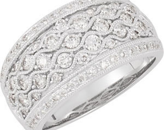Stunning Handcrafted 14 Karat White Gold 1.00 Carat Diamond Ring