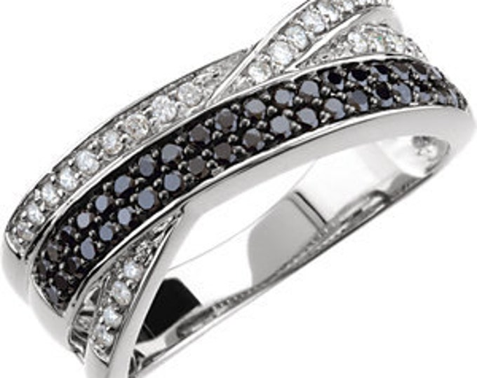 Beautiful 14 Karat White Gold 1/2 Carat Black & White Diamond Criss-Cross Ring