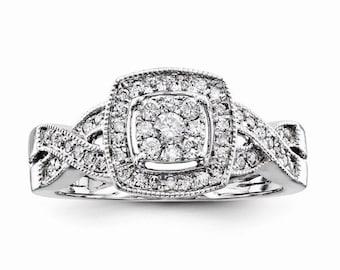 Gorgeous Solid 14 Karat White Gold 0.40 Carat Multi Diamond Engagement Ring